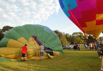 提醒在澳大利亚乘坐热气球注意安全