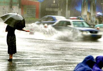 澳大利亚塔斯马尼亚州持续暴雨提醒注意安全